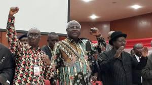 President Koroma (center) flanked by APC deputy chairman Minkailu Mansaray (left) and Vice President Hon. Victor Bockarie Foh