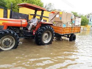 Supplies_arrive_in_Somalia